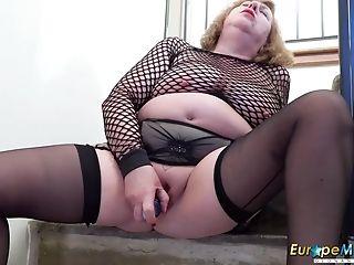 British, European, Granny, Masturbation, Mature, Mom, Solo,