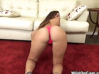 Bimbo, Gode , Exotique , Horny, Isis Taylor, Latines, Masturbation, Seins Naturels , Star Du Porno, Jouets Sexuels ,