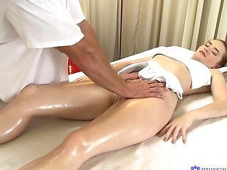 Ohne Titten, Massage, Pornostar, Rothaarige, Mager,